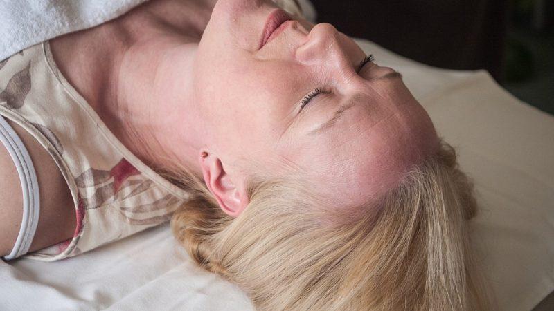Quelle est la différence entre la sophrologie et l'hypnose ?